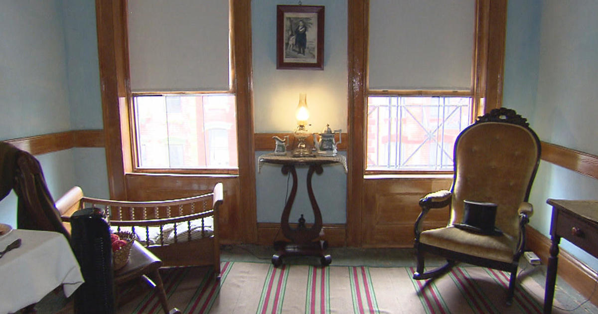 Under One Roof At Nyc S Tenement Museum Cbs News