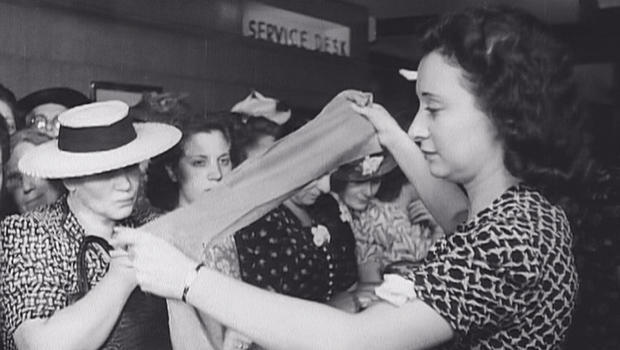 nylon-stockings-go-on-sale-in-1940-620.jpg