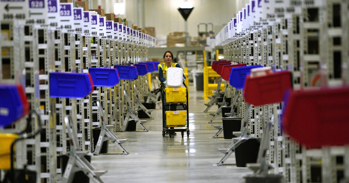 Amazon says 1 million workers applied for jobs this week