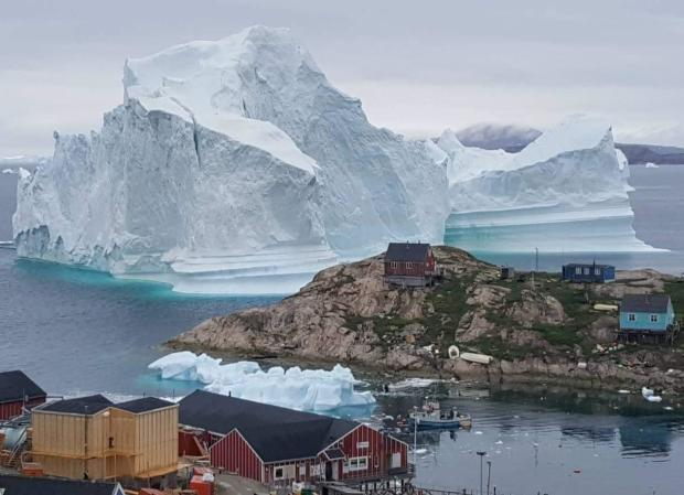 GREENLAND-NATURE-ENVIRONMENT-ICEBERG