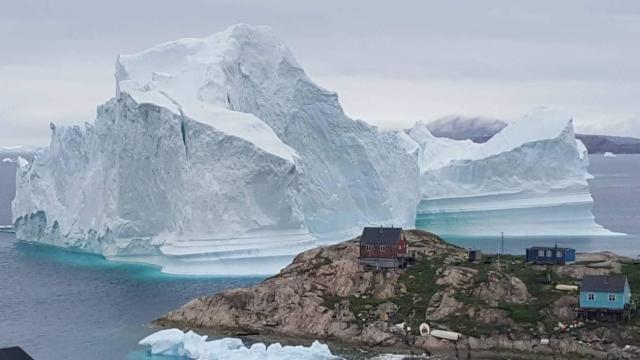 GREENLAND-NATURE-ENVIRONMENT-ICEBERG