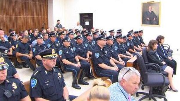 policeofficersincourt.jpg