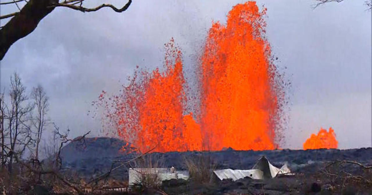 Lava flow from Kilauea volcano is reforming Hawaii coastline