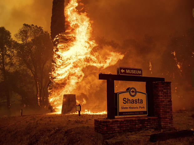 Deadly wildfire burns Northern California