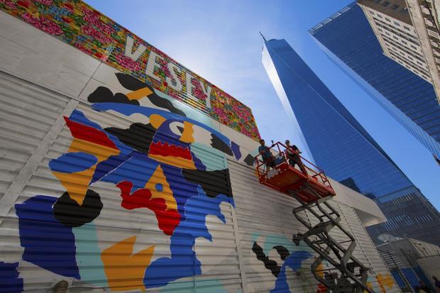 wtc-street-art-t2-graffiti-artists-14.jpg