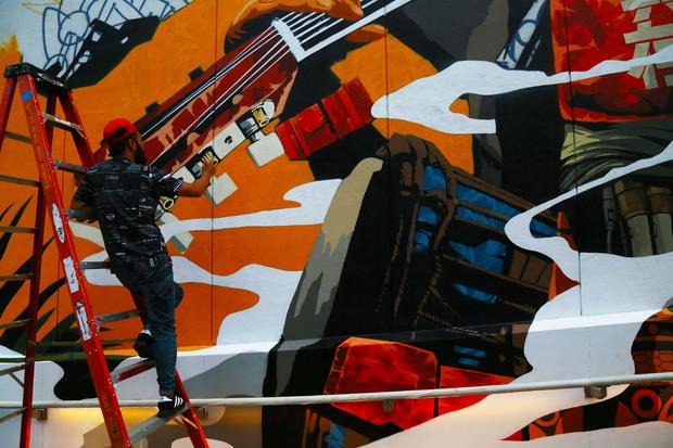 2wtc-graffiti-artists-joe-woolhead-001.jpg