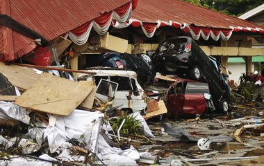Hundreds dead from Indonesia earthquake, tsunami