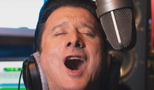 How former Journey frontman Steve Perry started believin' again