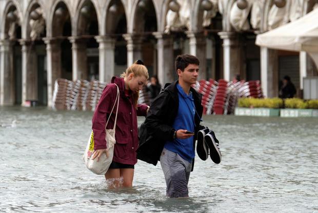 TOPSHOT-ITALY-VENICE-WEATHER-FLOOD