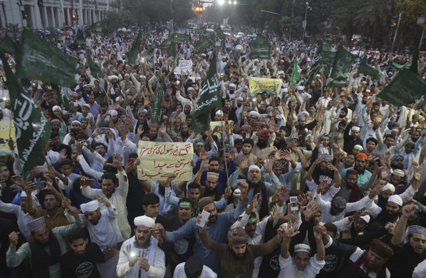Pakistan hardline groups protest after landmark blasphemy ruling