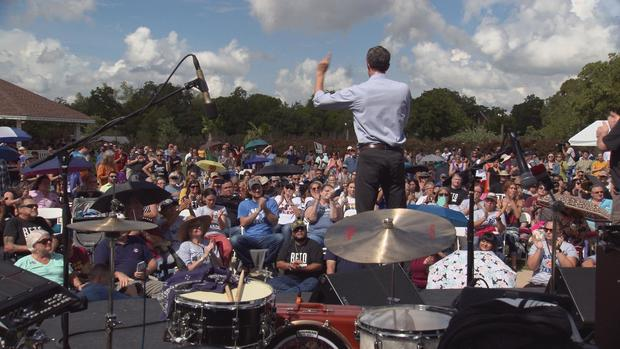 beto-crowd-ws.jpg