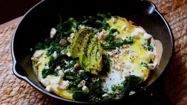 food-heaven-made-easy-kale-skillet-omelette-recipe-620.jpg