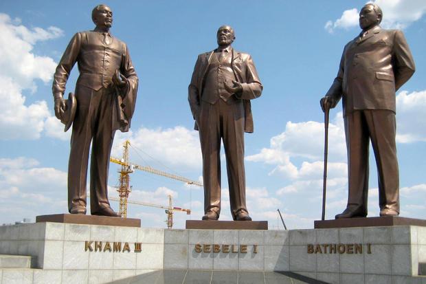 three-dikgosi-monument-march-2010.jpg