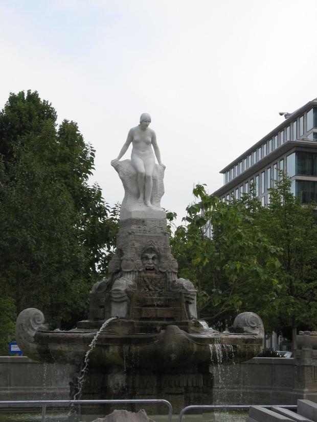 marchenbrunnen-frankfurt.jpg