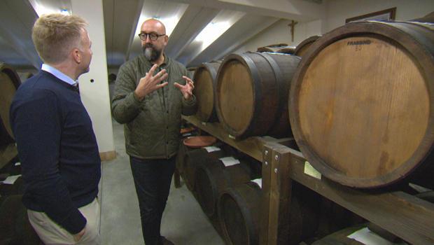 balsamic-vinegar-rolando-beramendi-seth-doane-with-aging-barrels-620.jpg
