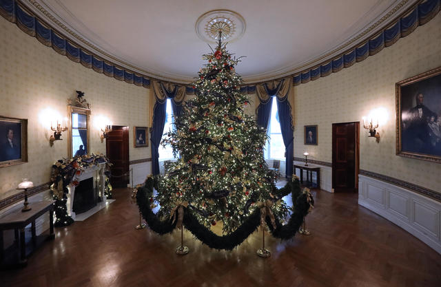 Whitehouse Christmas Decorations.White House Christmas Decorations 2018 Pictures Cbs News