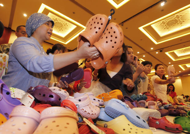 Crocs Shoes Increasingly Popular Amongst Trendy Israelis