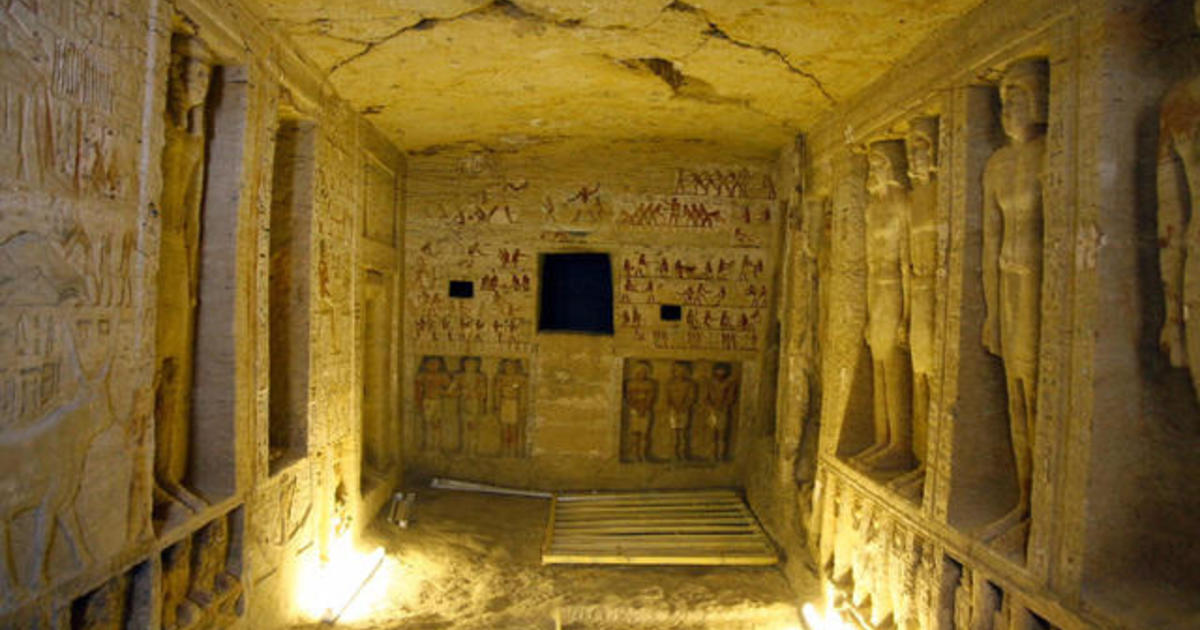 Egyptian tomb discovered: Ancient statues and ...
