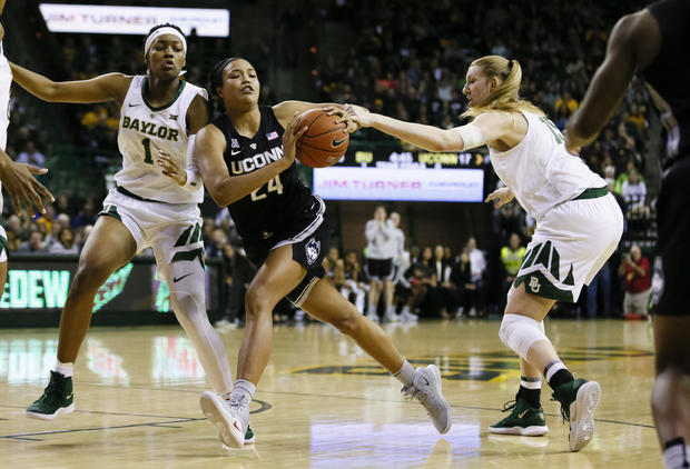 Baylor upsets top-ranked UConn 68-57