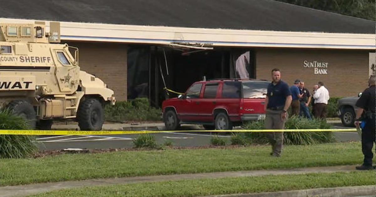 5 killed in shooting at Florida bank