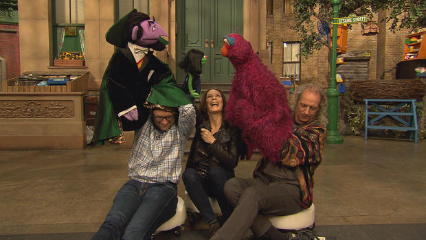 serena-altschul-with-muppets-on-sesame-street-620.jpg