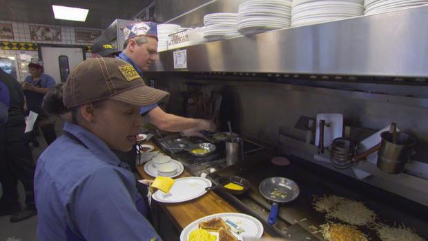 waffle-house-luke-burbank-manning-the-grill-620.jpg