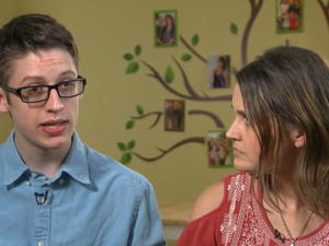Teen defies mom, gets vaccinated after turning to strangers online