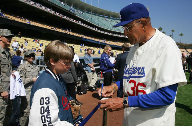 Former Dodgers Ace, World Series Champion Don Newcombe Dies at 92