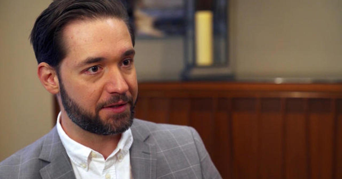 Alexis Ohanian makes paid family leave law push - CBS News