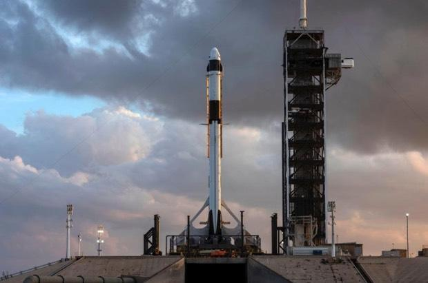 NASA gives go-ahead for SpaceX commercial crew test flight