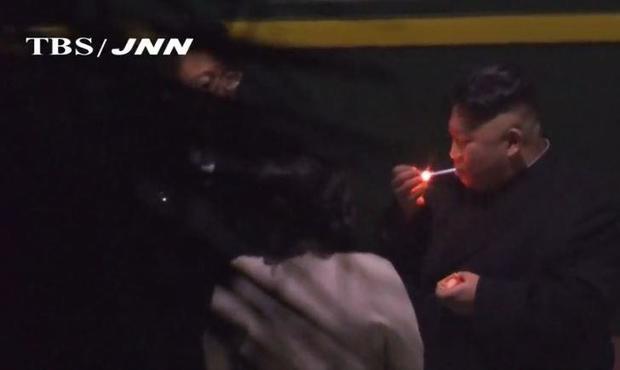 kim-jong-un-smoking.jpg