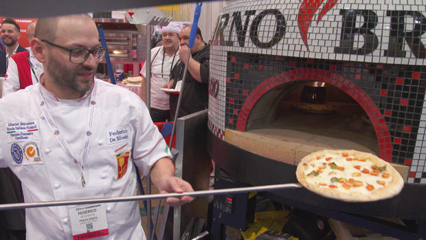 pizza-expo-out-of-the-overn-620.jpg