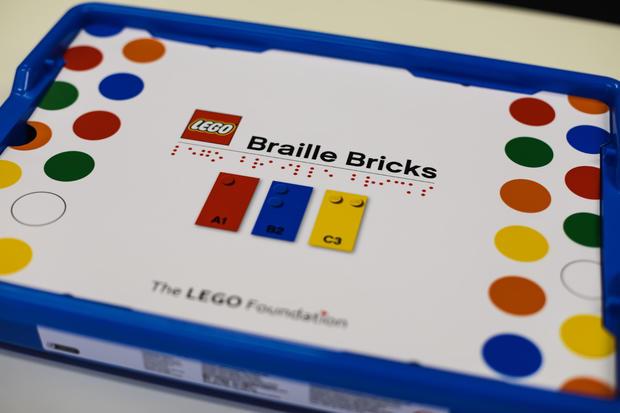 highres-braille-bricks-box.jpg