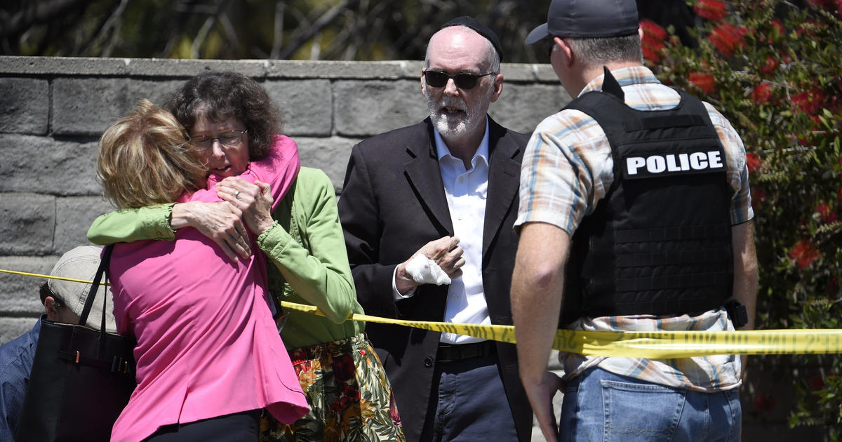 01ccc0c61d1f Poway synagogue shooting: Suspect John Earnest in custody after 1 dead, 3  injured -- live updates - CBS News