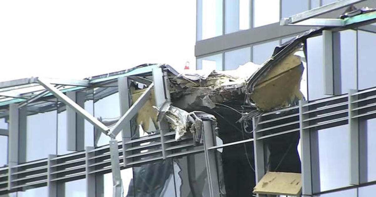 Witnesses say deadly Seattle crane collapse sounded like earthquake