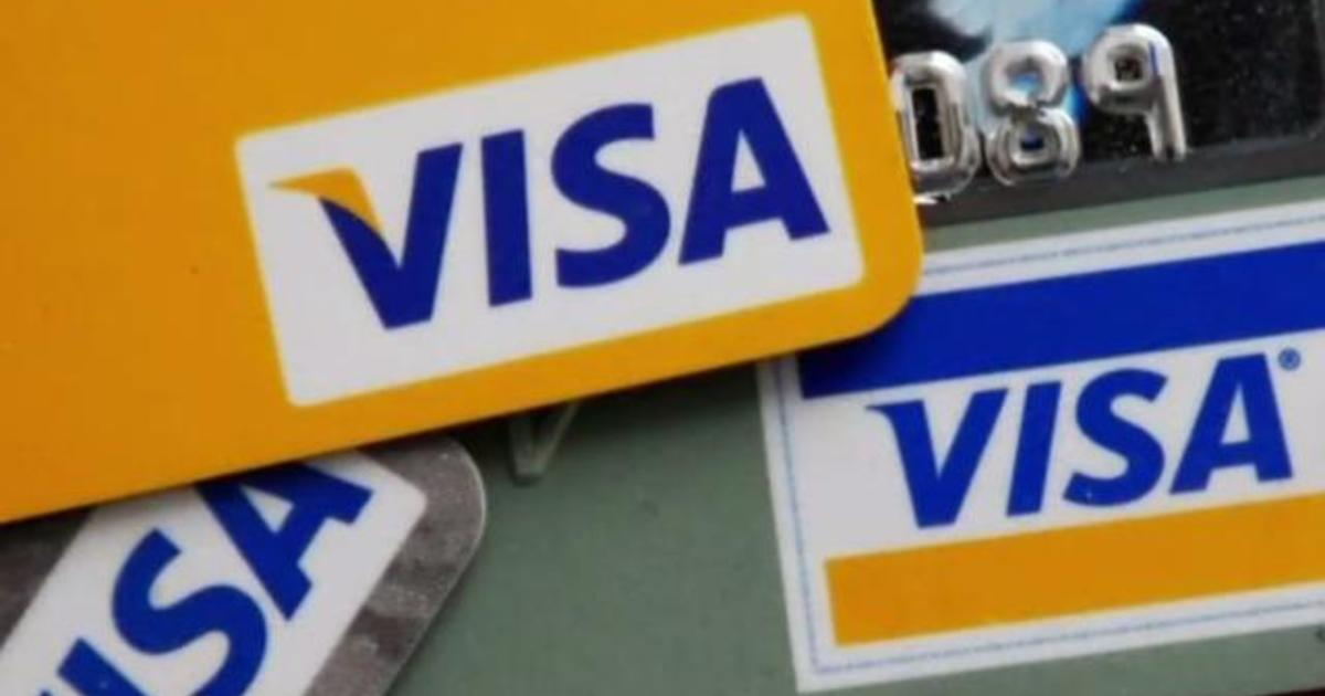 San Francisco banning cashless stores, and other MoneyWatch headlines