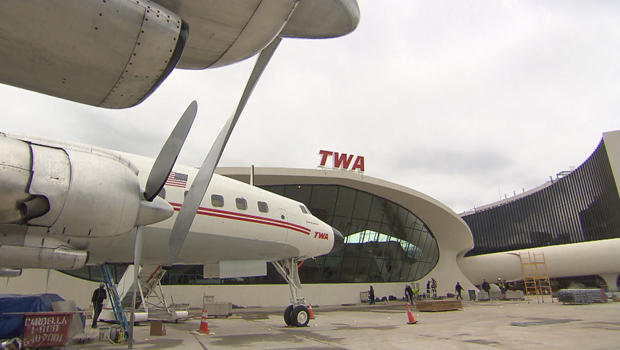 twa-hotel-lockheed-constellation-620.jpg