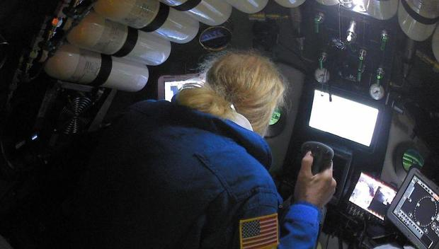 US man makes deepest-ever dive in Mariana Trench, discovers trash