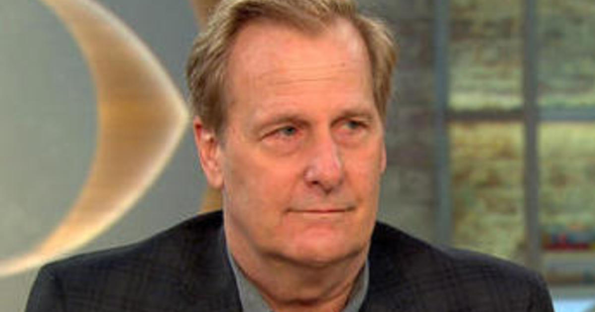 """Jeff Daniels on """"To Kill a Mockingbird"""": """"You watch the movie, you read the book, you FEEL the play"""""""
