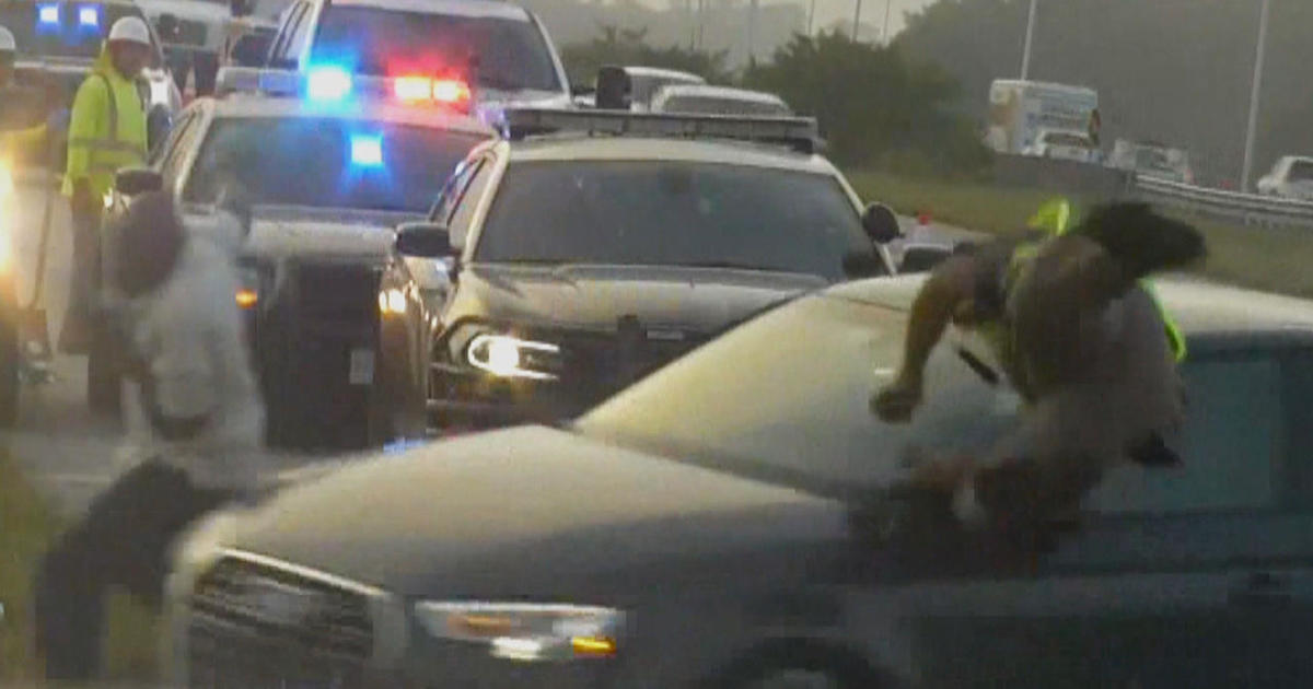 Distracted drivers an increasing threat to first responders - CBS News