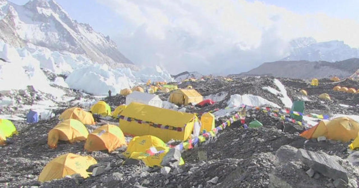 British climber who warned of Everest overcrowding dies during climb