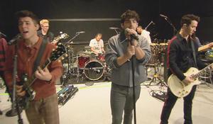 jonas-brothers-in-rehearsal-promo.jpg