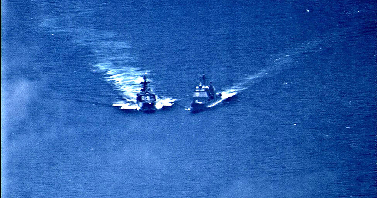Russian destroyer nearly collides with American ship