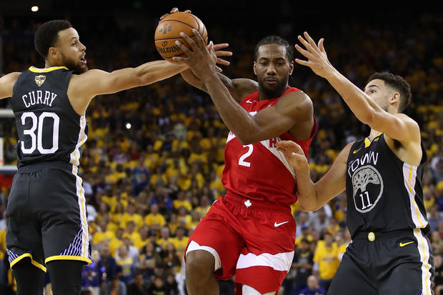 849e2cdd105 NBA Finals: Raptors top Warriors 105-92 in Game 4, giving them 3-1 lead in  series - CBS News