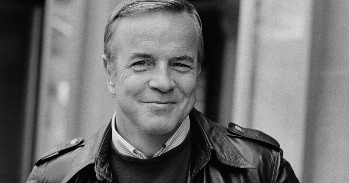 """Franco Zeffirelli has died: Italian director known for """"Romeo and Juliet,"""" dies today at 96 - CBS News thumbnail"""