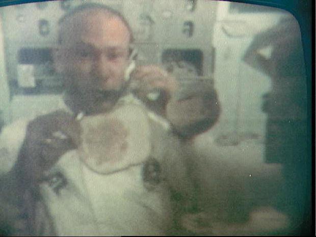 SPACE-MOON-APOLLO XI-ALDRIN-SANDWICH-FIRST STEP