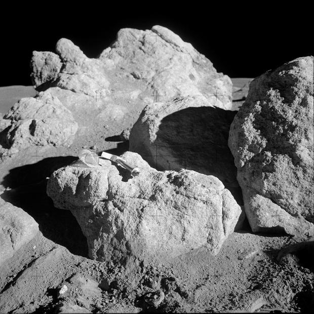 apollo14-boulder.jpg