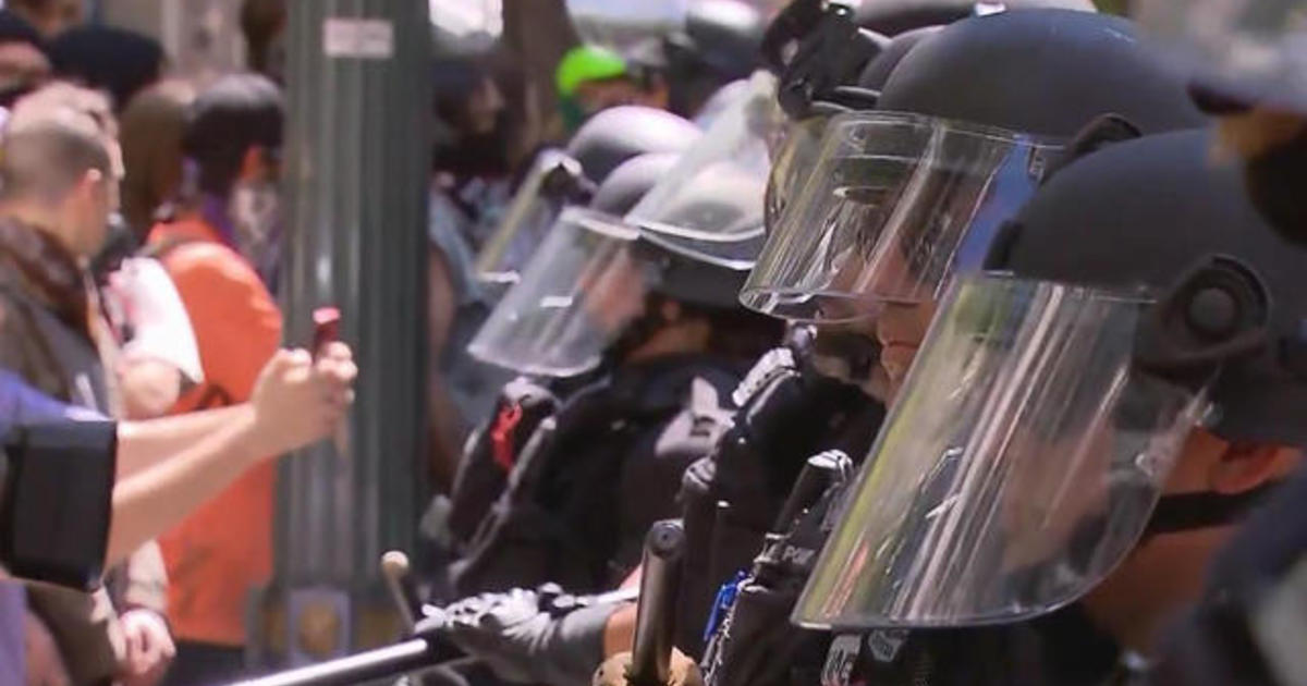 """Demand Free Speech"" rally: Heavy police presence in Washington today for rally and counter protests"