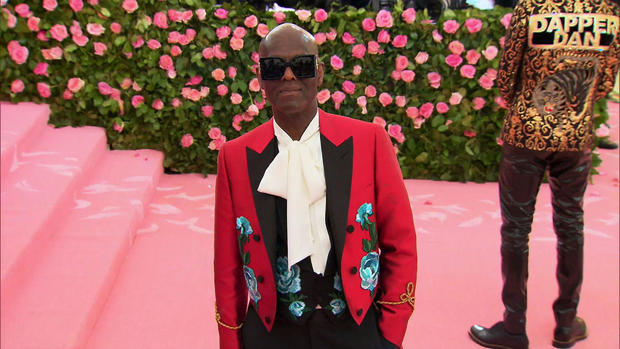 Fashion designer Dapper Dan's rags to riches story - CBS News