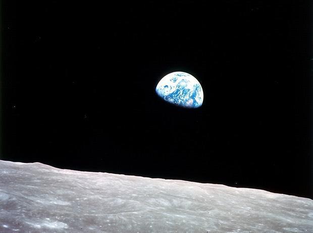 earthrise-apollo8.jpg
